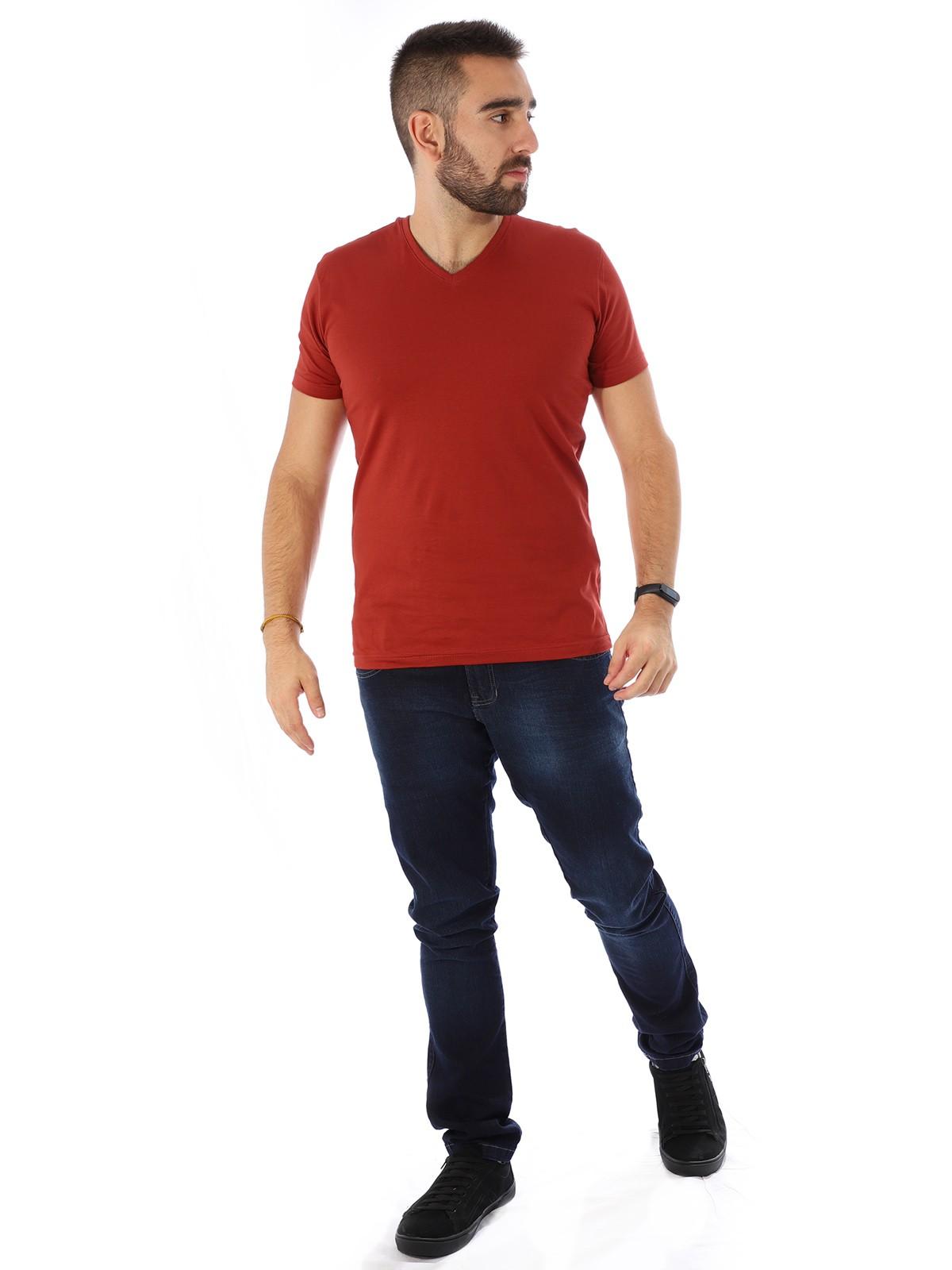 Camiseta Masculina Decote V. Algodão Slim Fit Lisa Ferrugem