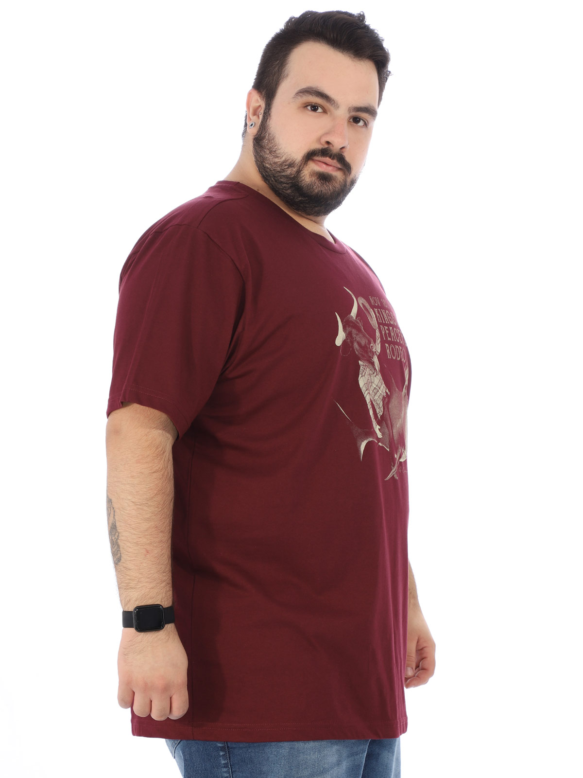 Camiseta Plus Size Masculina Estampada Rodeo Anistia Vinho