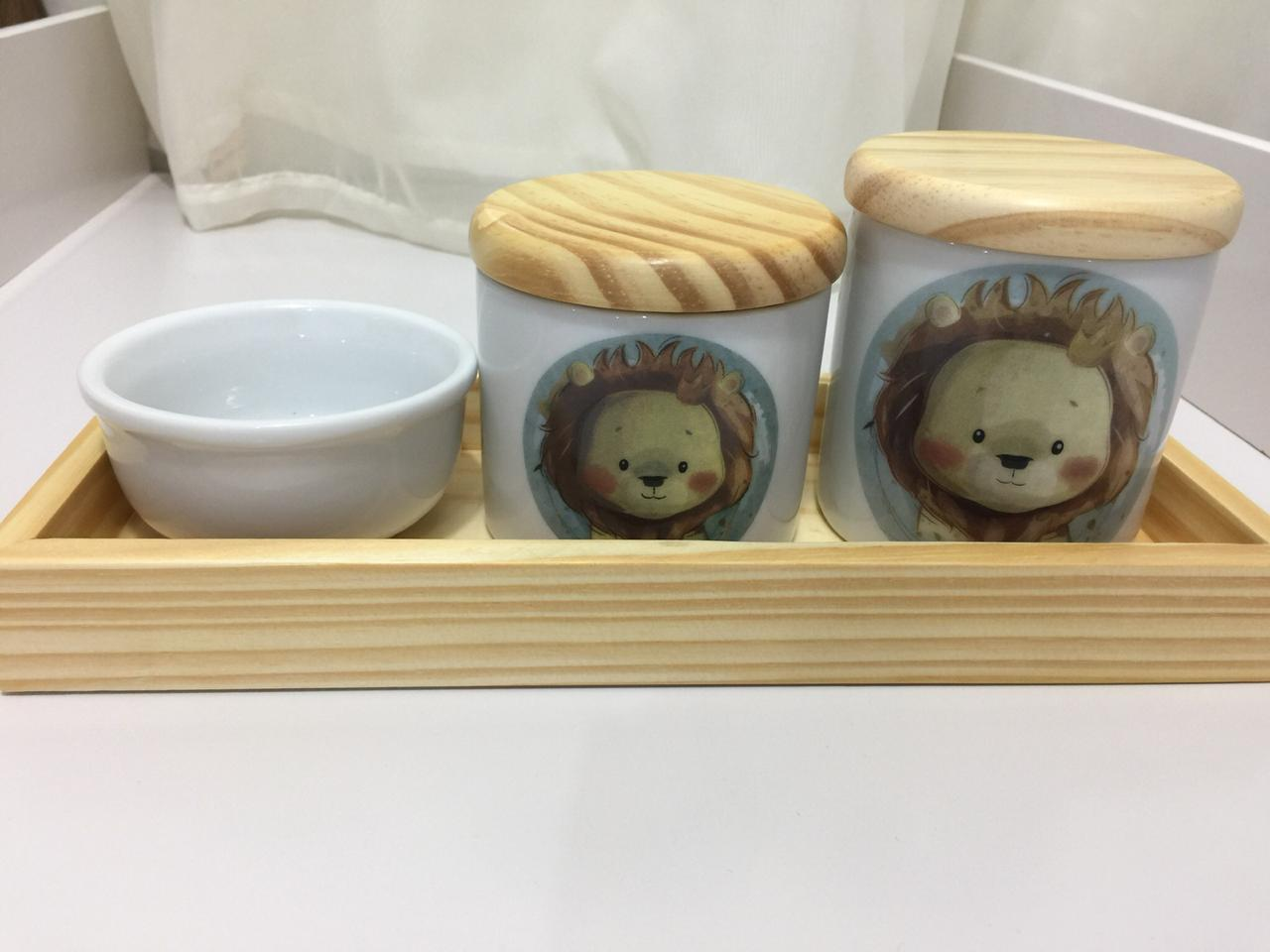 Kit Higiene 4 peças Coleção Leão Bandeja Pinus