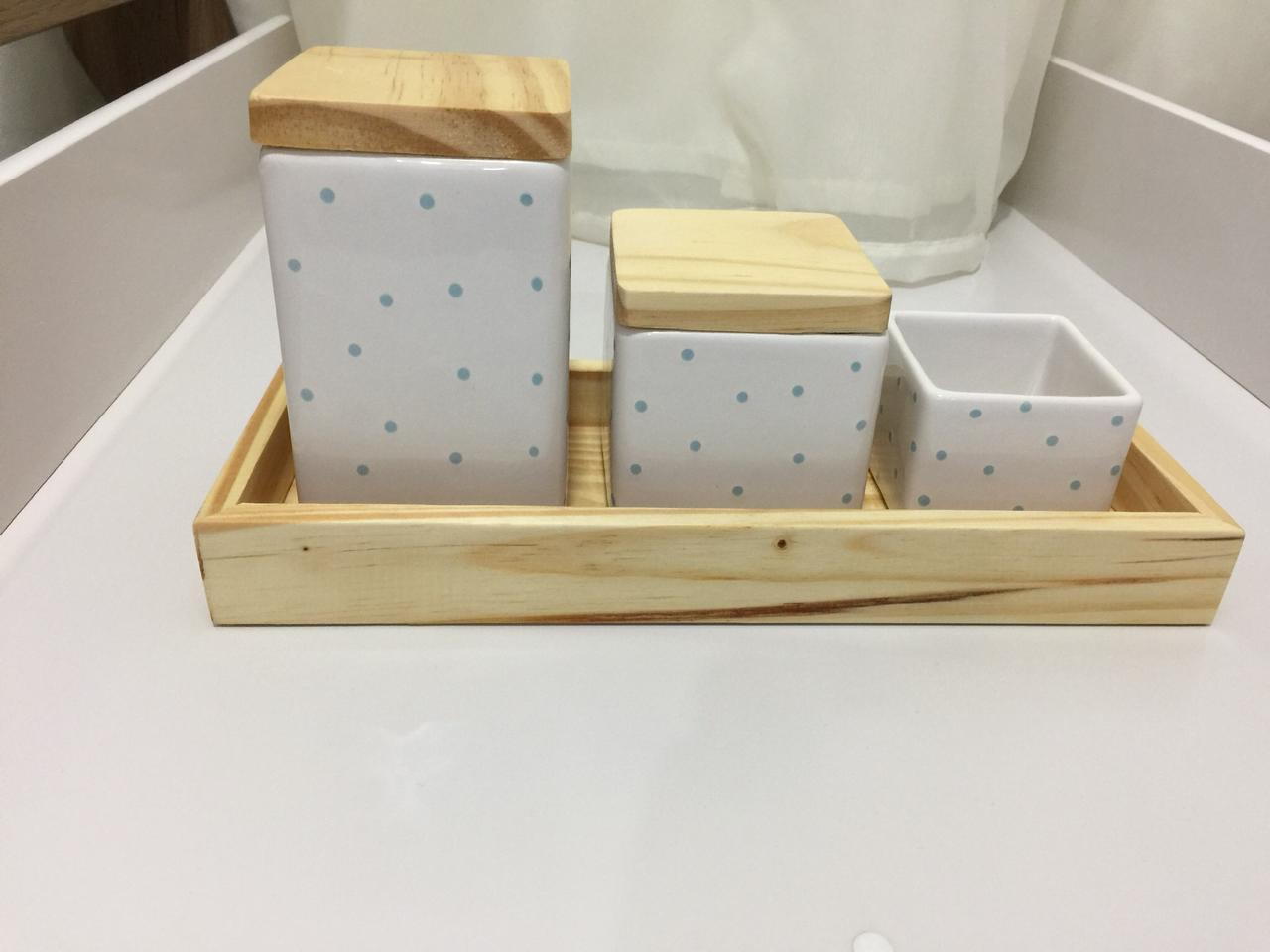 Kit Higiene 4 peças Coleção Poá Quadrado Azul Bandeja Pinus