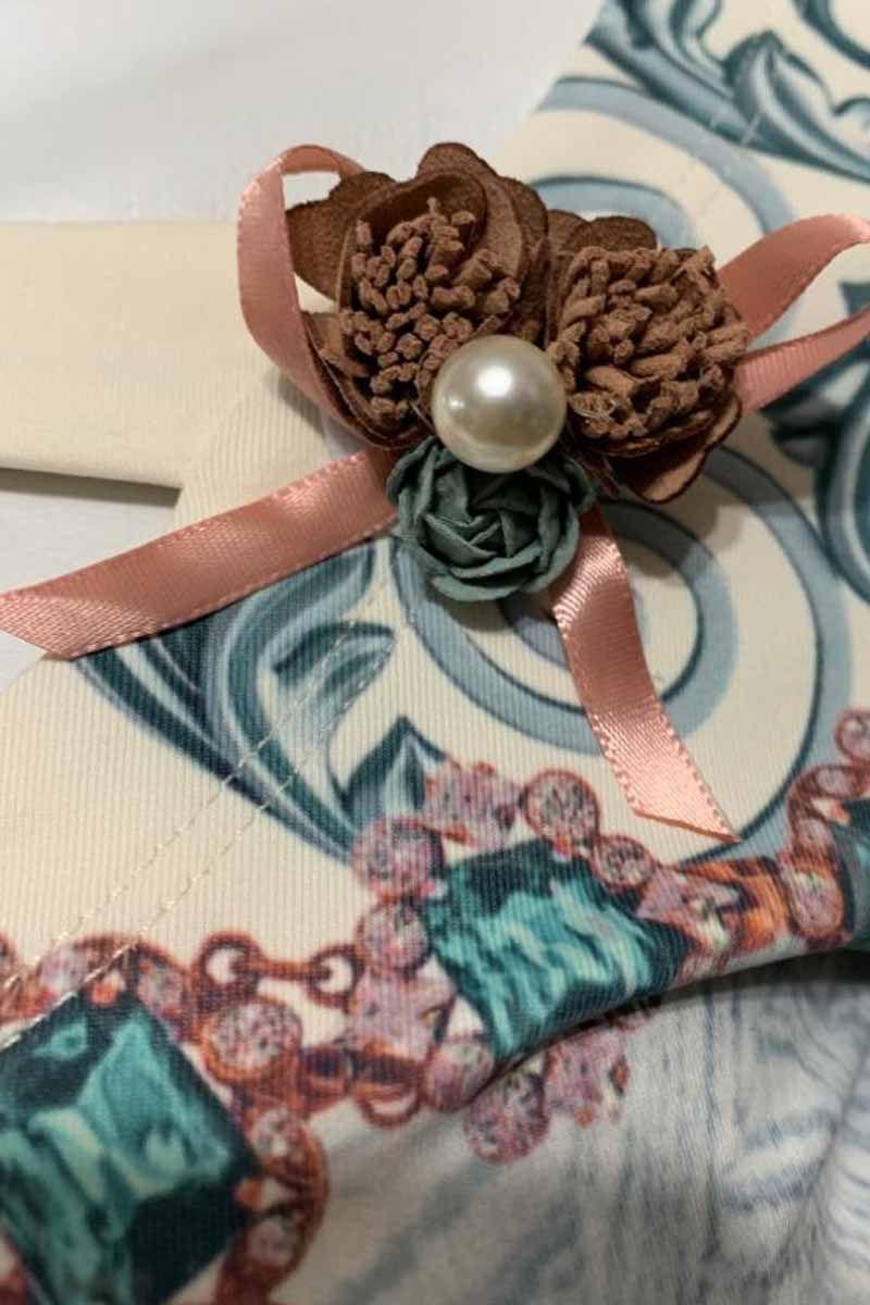 Blusa Estampada Viscolight com Broche Via Tolentino