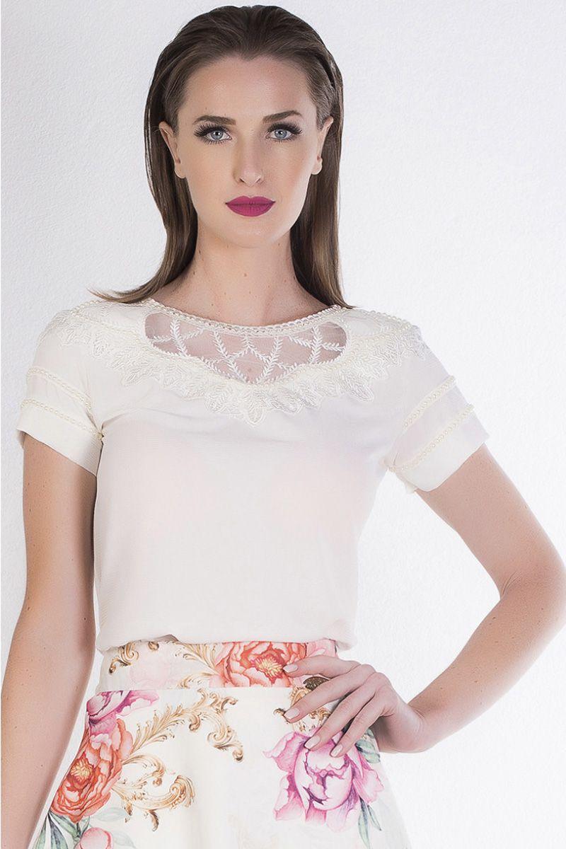 Blusa Feminina Off-white com Bordado Via Karuso Moda Evangélica