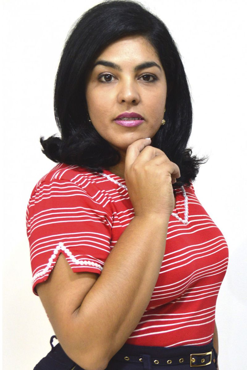 Blusa Feminina Vermelha com Detalhe Bordado Moda Evangélica