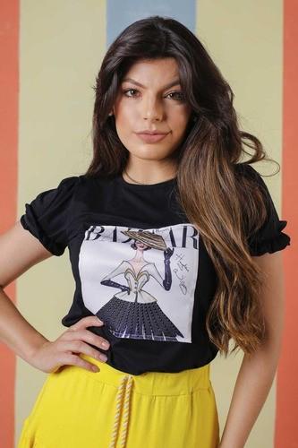 T-shirt Com Estampa Deliacada Com Aplicação Moda Conforto