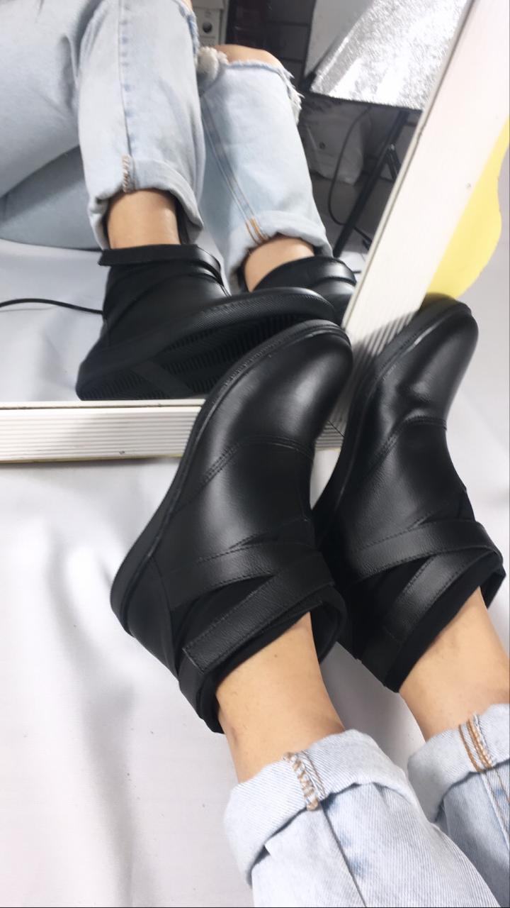 Estilo e Conforto! Bota Serafini Nina Regulável  REF:C12030015-20