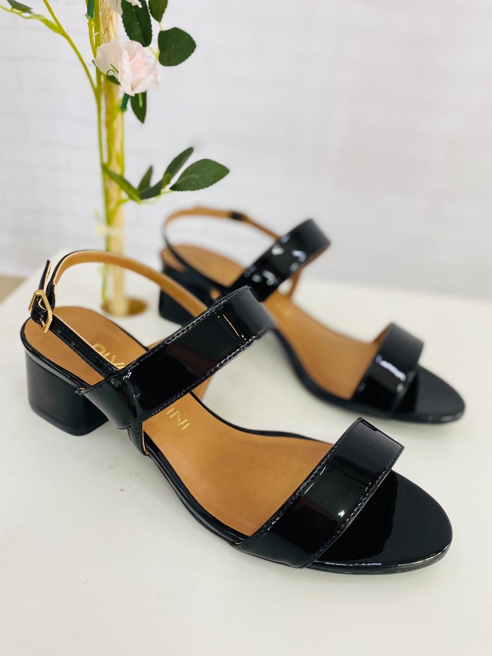 Fique ainda mais linda com esta sandália diva!!