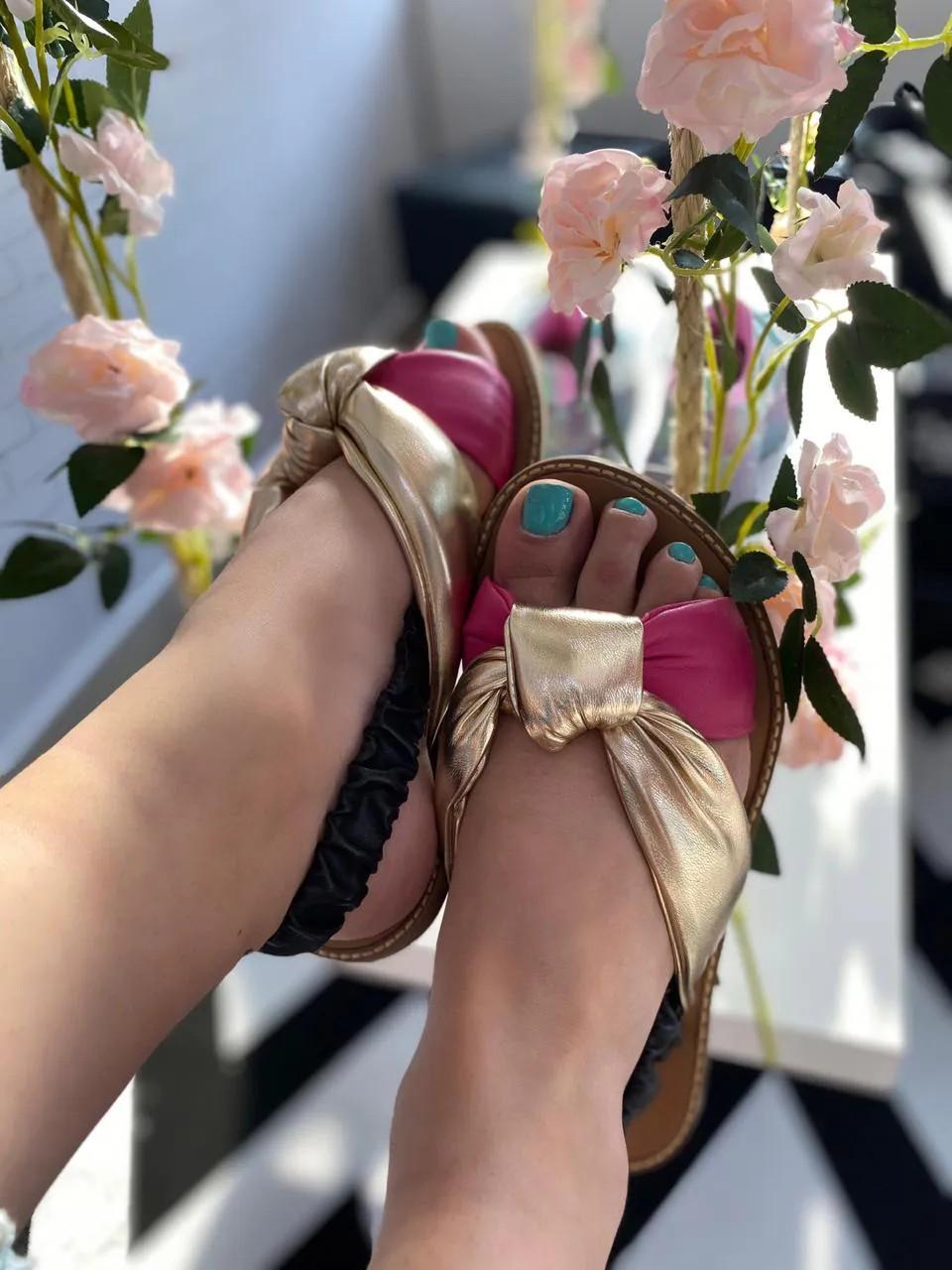 Seus pés estão pedindo beleza e conforto ,eis aqui !