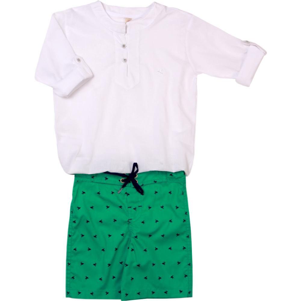 Conjunto Infantil Bata Branca e Bermuda Verde