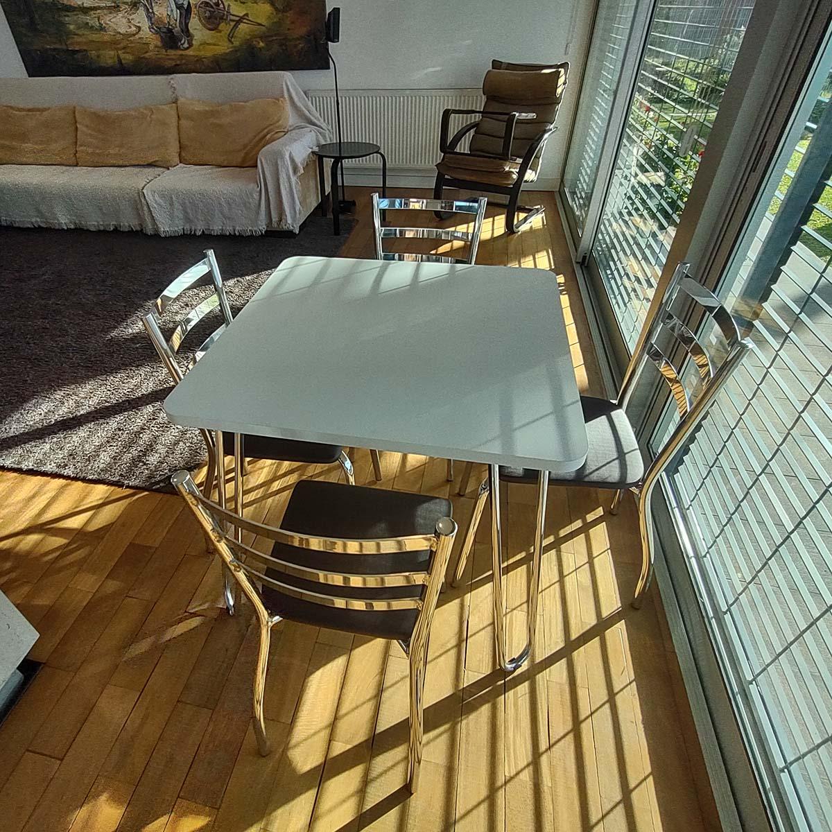 Conjunto Mesa com 4 Cadeiras Estofadas em Alumínio e BP   CJMBP80