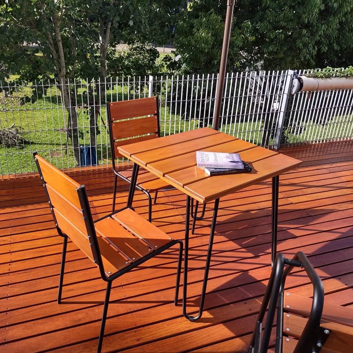 Conjunto Mesa e 04 Cadeiras em Aço e Madeira - CJM74P + OMBRELONE COPA