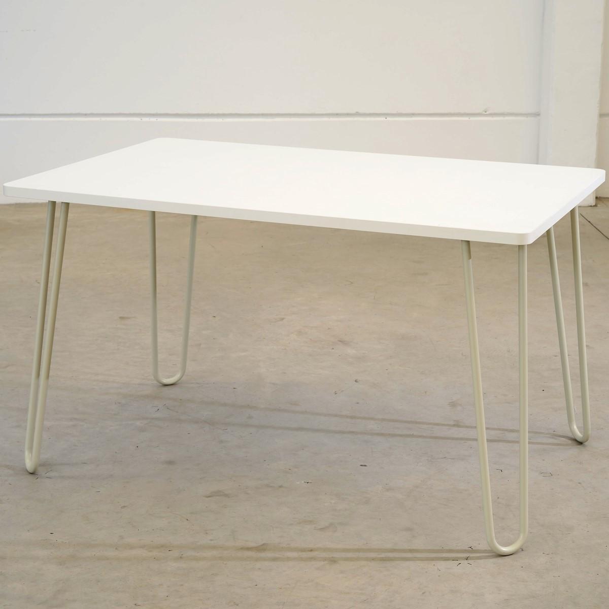 Mesa com tampo em BP 80 x 130 cm MBP130