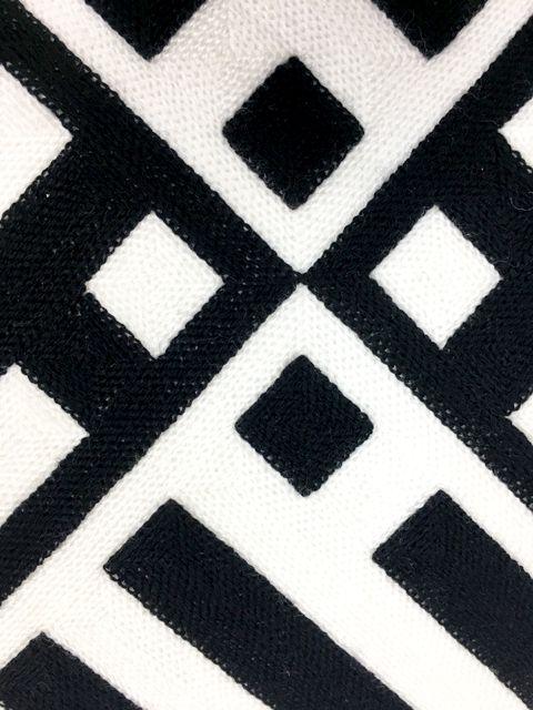 Almofada Geométrica Preta  e Branca
