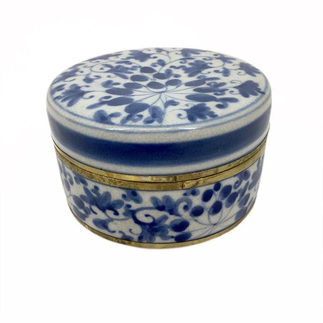 Caixa Decorativa em Cerâmica Azul e Branca com Bronze