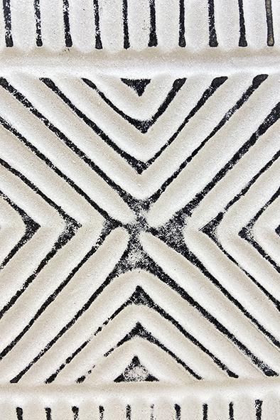 Escultura Decorativa Em Madeira Branco E Cinza