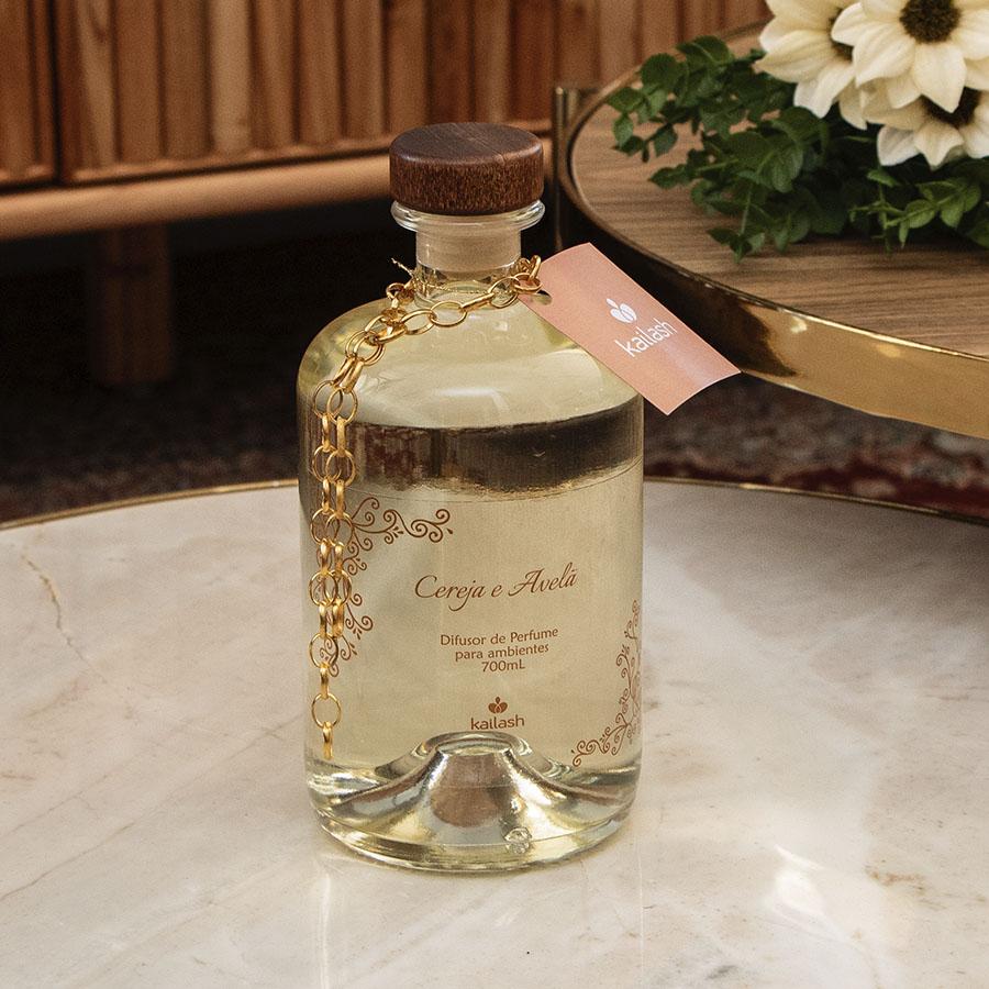 Difusor para perfumar ambientes Luxo - Cereja e Avelã - 700mL