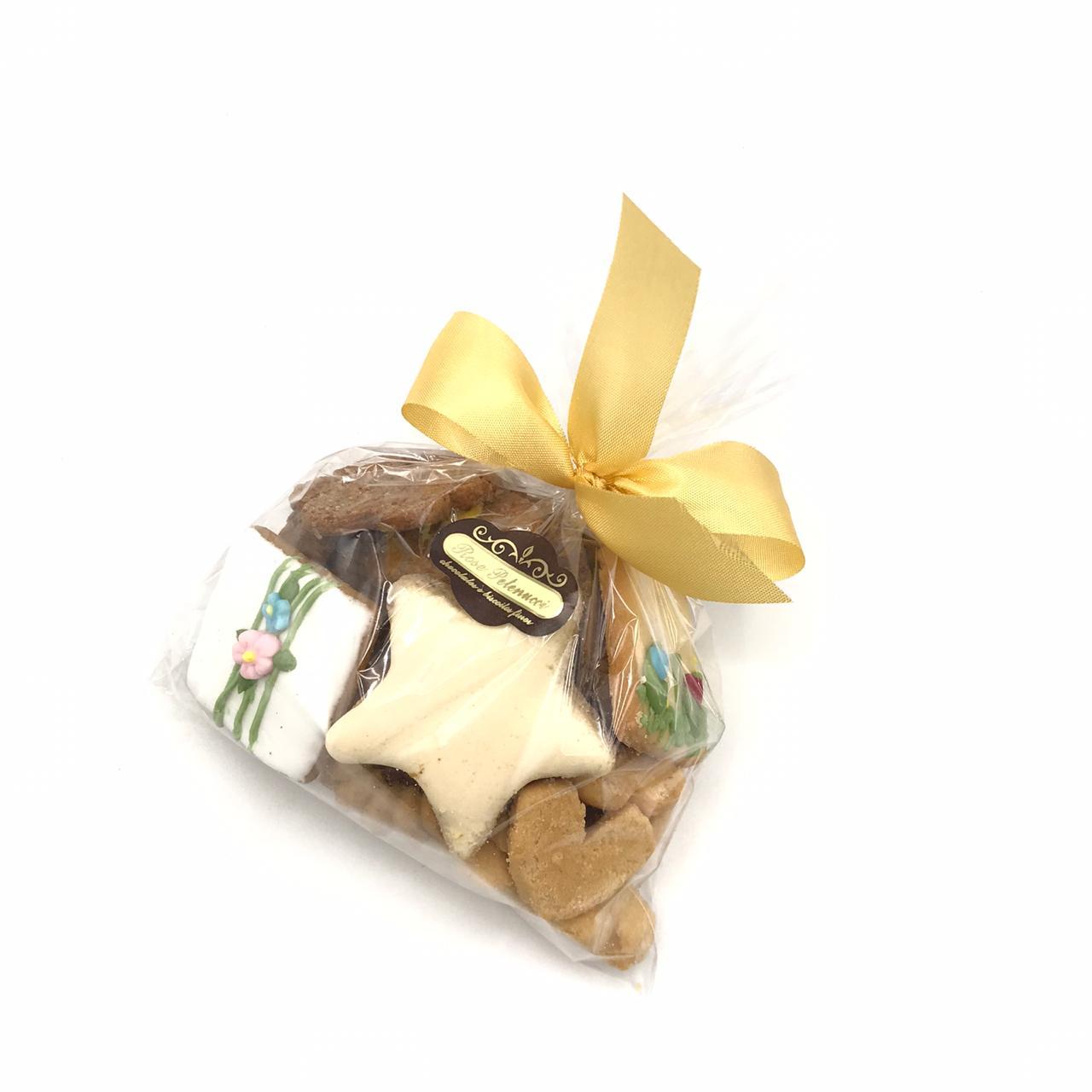 Pacote com Biscoitos Mistos P