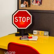 Luminária Placa Stop Usare