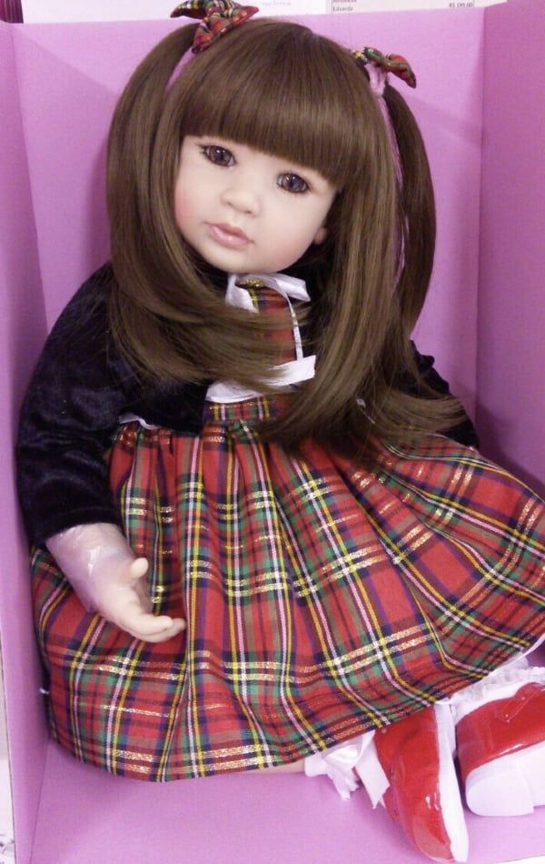 LAURA DOLL RED CHESS