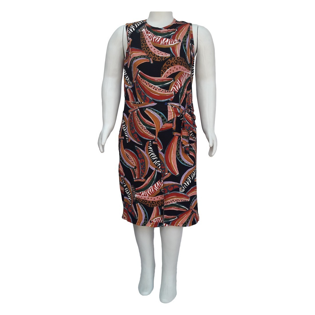 Vestido com Fenda Frontal Plus Size