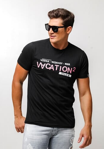 CAMISETA VACATION PRETO = TFLOW
