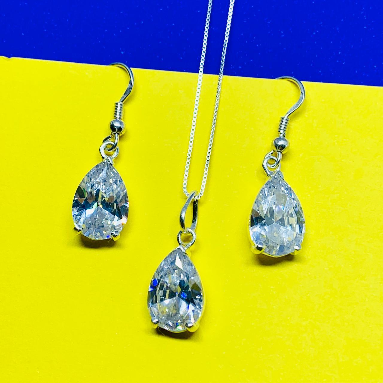 Conjunto Gota no anzol em prata