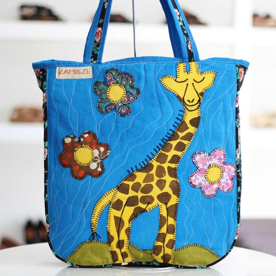 Bolsa Feminina Clube Praia De Tecido Patchwork  Retalho Imagem Girafa 2