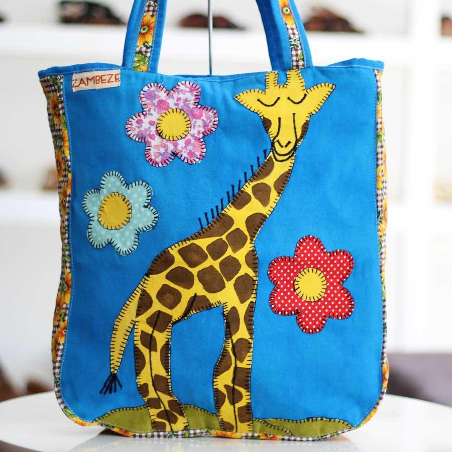 Bolsa Feminina Clube Praia De Tecido Patchwork  Retalho Imagem Girafa 3