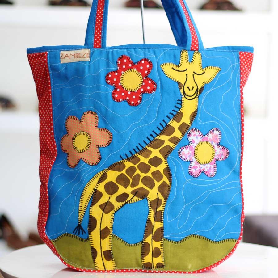 Bolsa Feminina Clube Praia De Tecido Patchwork  Retalho Imagem Girafa 6