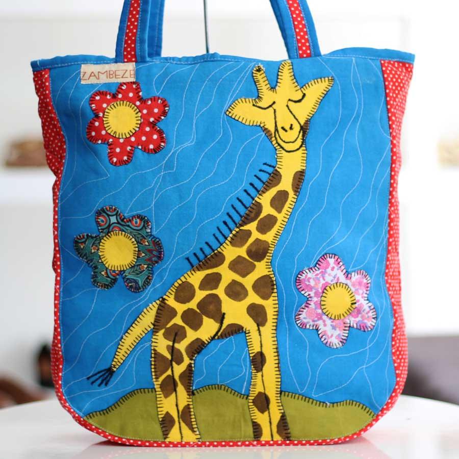Bolsa Feminina Clube Praia De Tecido Patchwork  Retalho Imagem Girafa 8