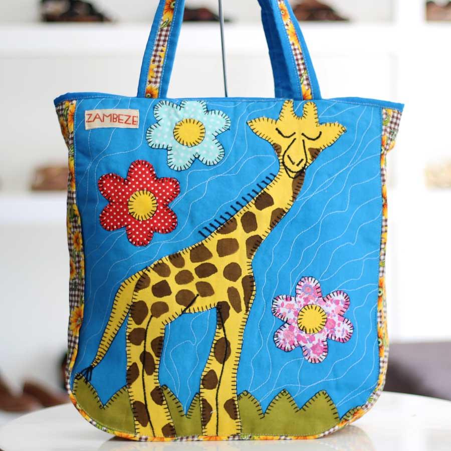 Bolsa Feminina Clube Praia De Tecido Patchwork  Retalho Imagem Girafa 9