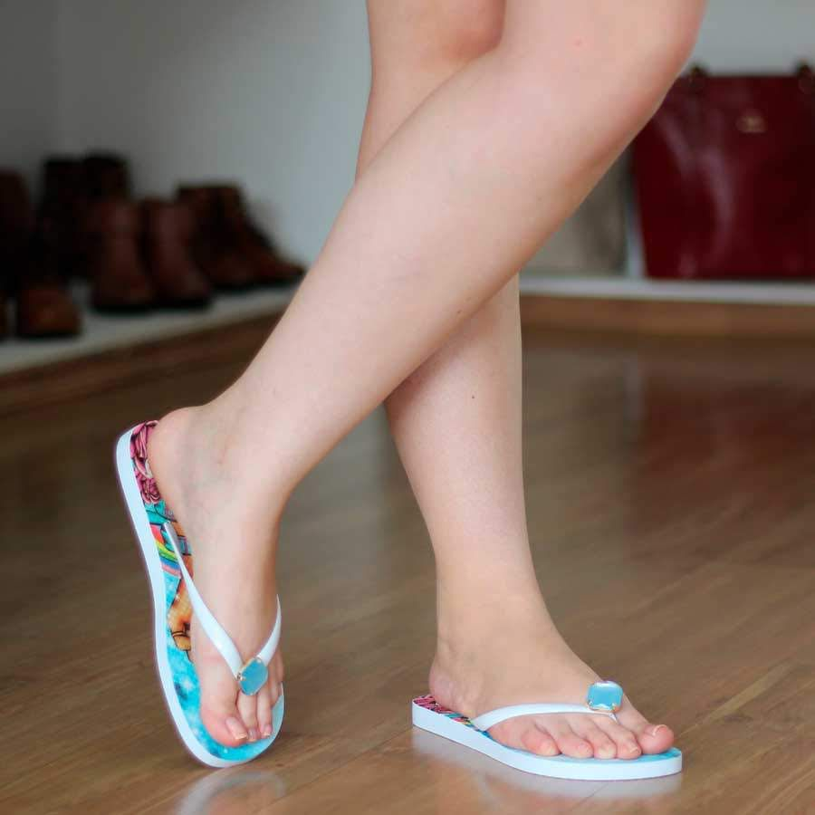 Chinelo Feminino de Dedo Borracha Com Pedraria Color Be  1037