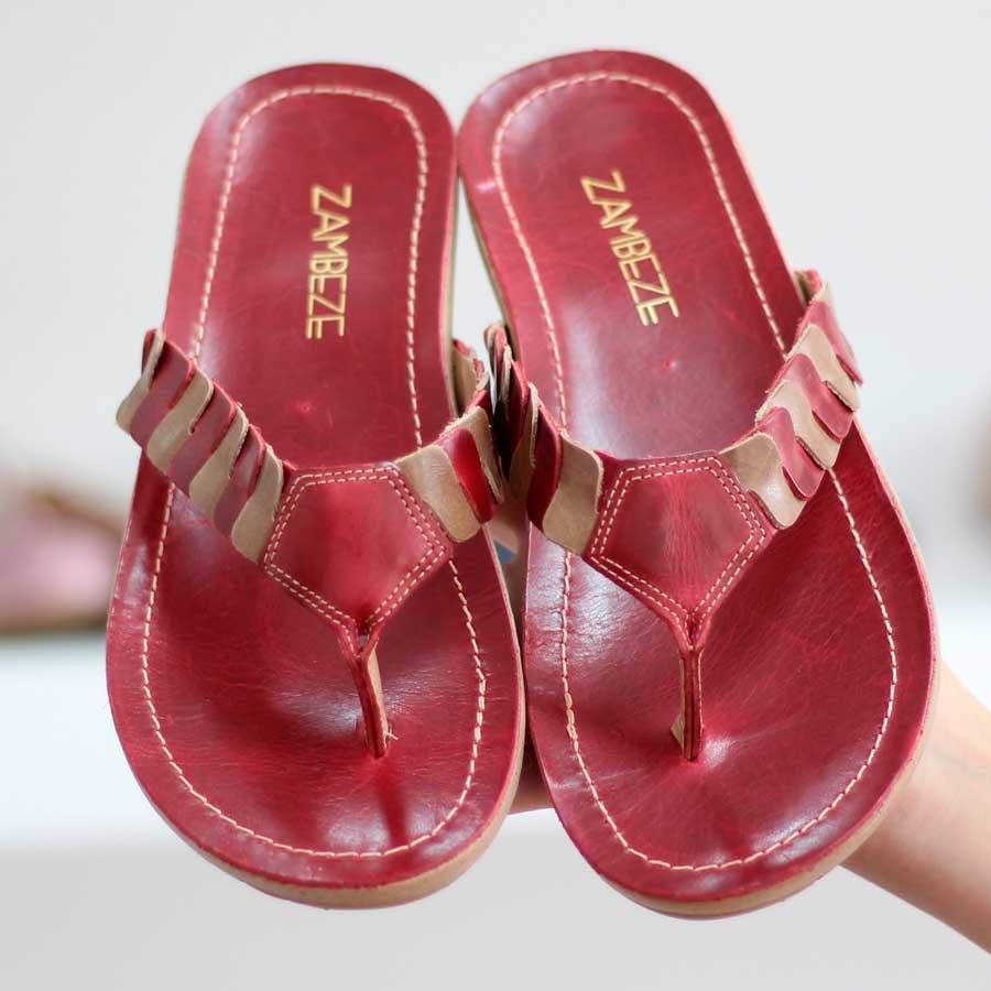 Chinelo Rasteiro Retrô Vintage Feminina  Em Couro Vermelho e Bege 467