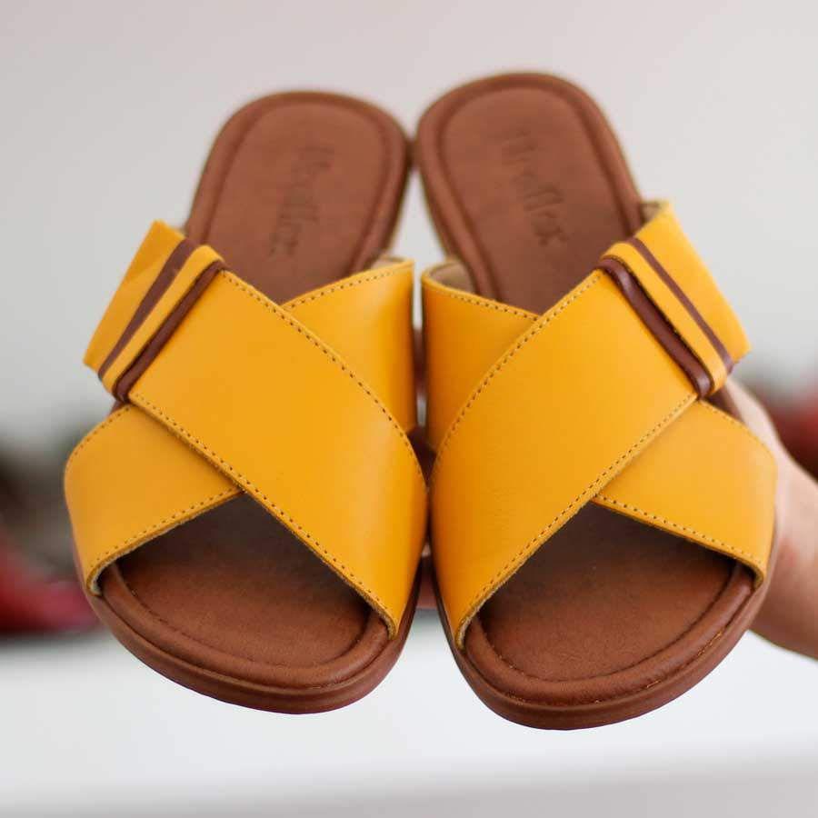 Chinelo Rasteiro Usaflex Feminino Amarelo 2203