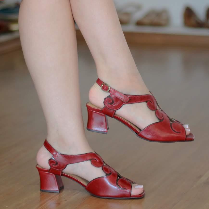 Sandália Salto Grosso Estilo Retrô Vintage Vermelha 5353