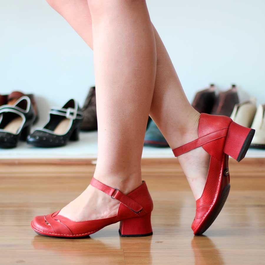 Sapato Feminino Boneca Salto Grosso Quadrado Estilo Retrô Vintage  Vermelho 0125
