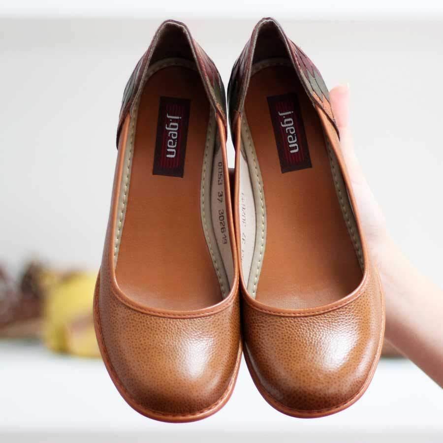 Sapato Feminino Em Couro Vintage Retrô Salto Grosso Caramelo AG0053