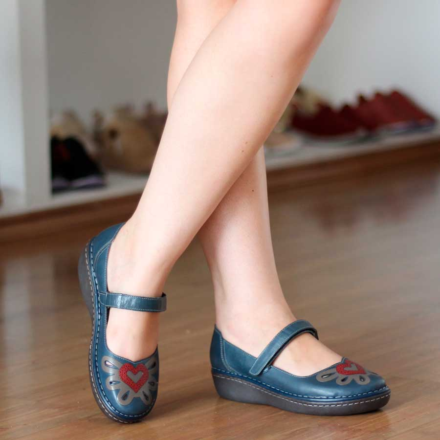 Sapato feminino Retrô Vintage Em Couro Legitimo Salto Anabela Azul EH0006