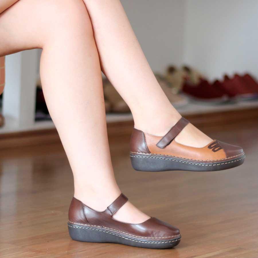 Sapato feminino Retrô Vintage Em Couro Legitimo Salto Anabela Caramelo EH0005