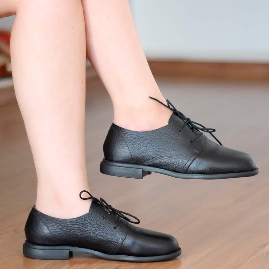Sapato Feminino Solado Rasteiro Cano Curto Em Couro Legítimo Preto