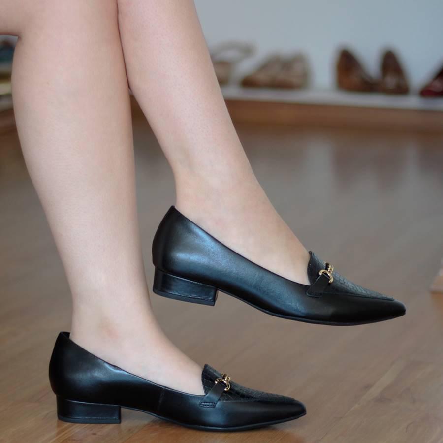 Sapato Feminino Usaflex bico fino Preto couro 6604