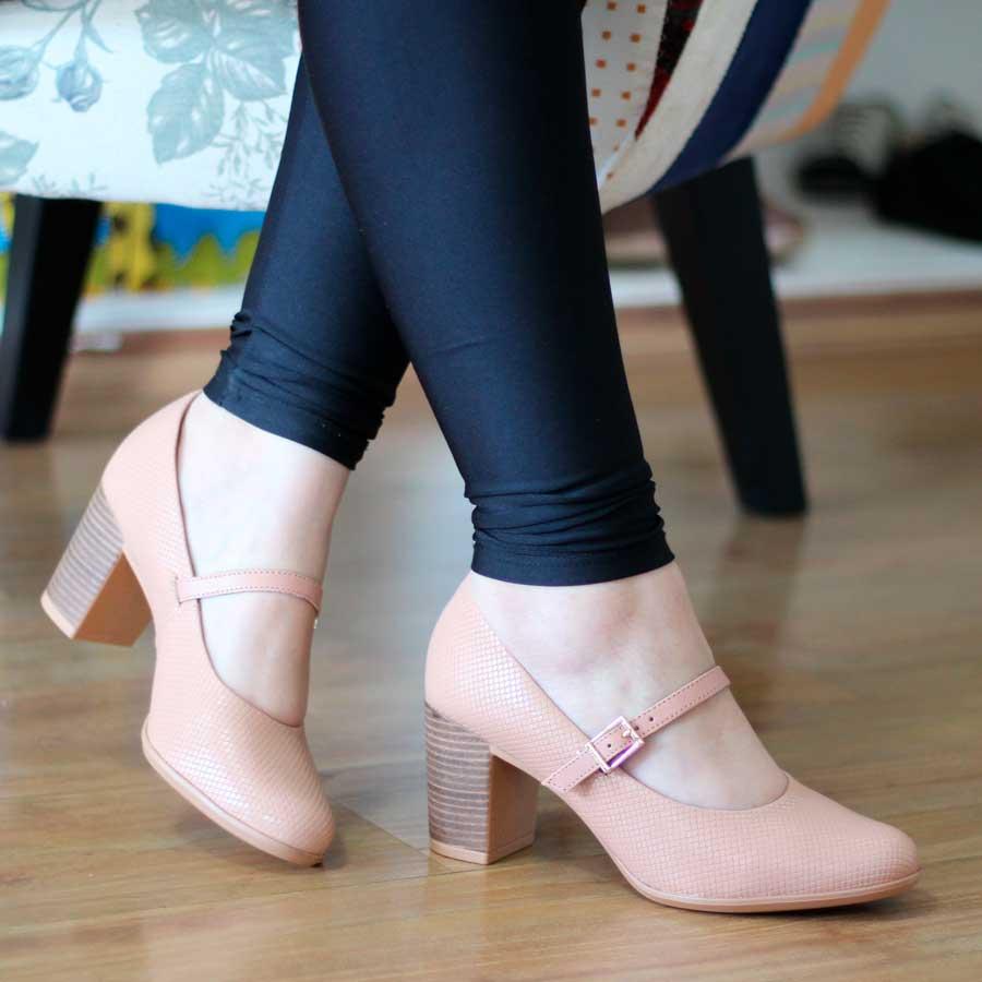 Sapato Feminino Usaflex Boneca Salto Grosso Em couro AD2902