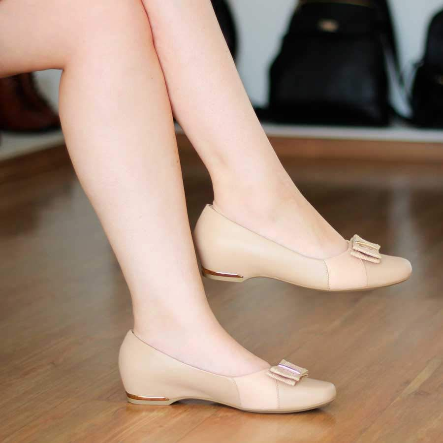 Sapato Feminino Usaflex Couro Bege Salto Embutido Tecido Joanete 0704