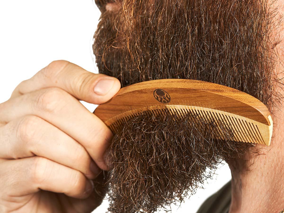 Kit Pomada Modeladora Efeito Molhado + Balm para Barba + Pente de Madeira para Barba Black Barts® Single Ron  - Black Barts