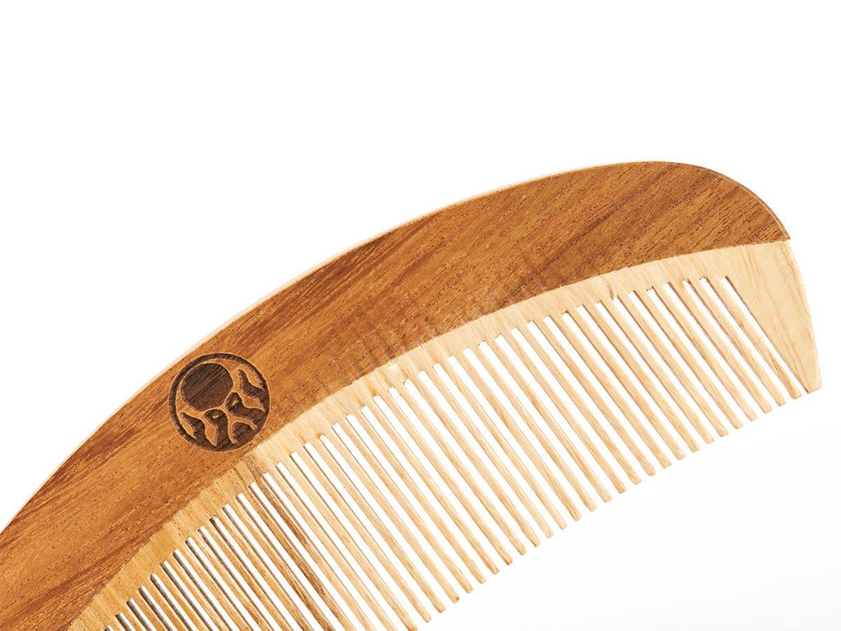 Pente de Madeira Personalizado com seu Nome para Barba Curvo de Bolso Black Barts®  - Black Barts