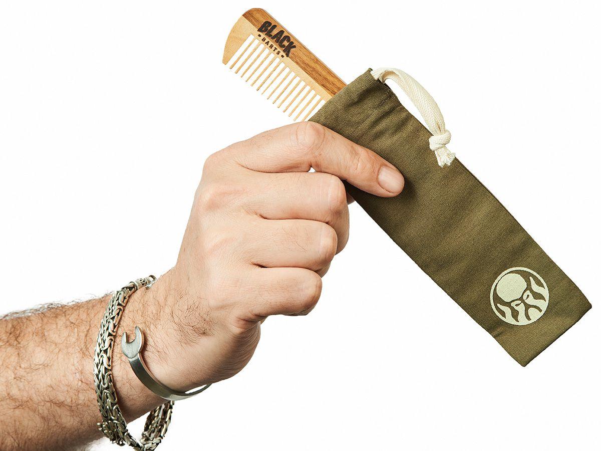 Pente de Madeira Personalizado com seu Nome para Barba Reto Duplo Dentes Largos + Bag Exclusiva Black Barts®  - Black Barts