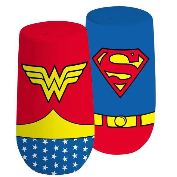 Saleiro e Pimenteiro Superman e Mulher Maravilha Logo