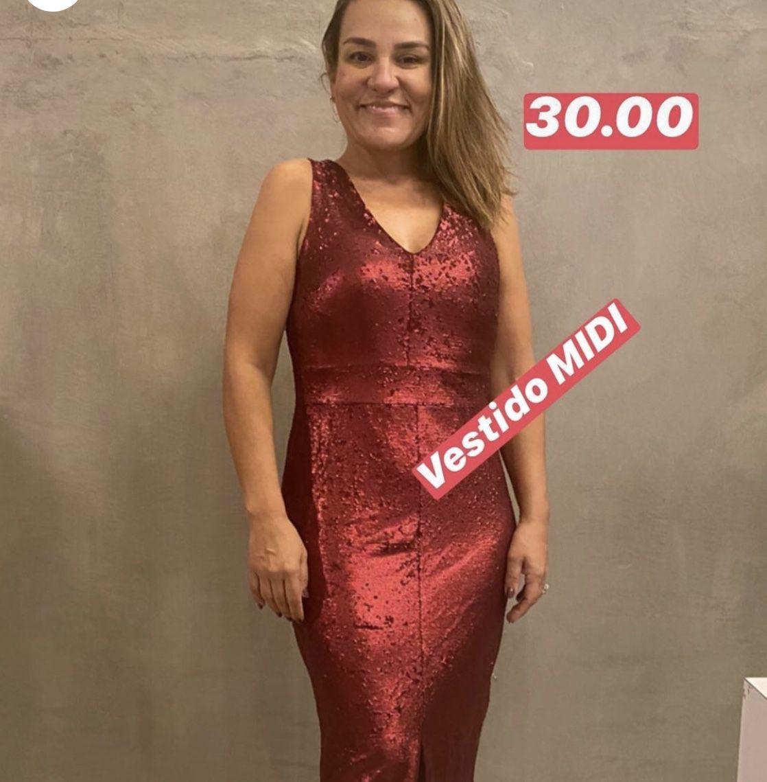 Vestido em Paetê Midi