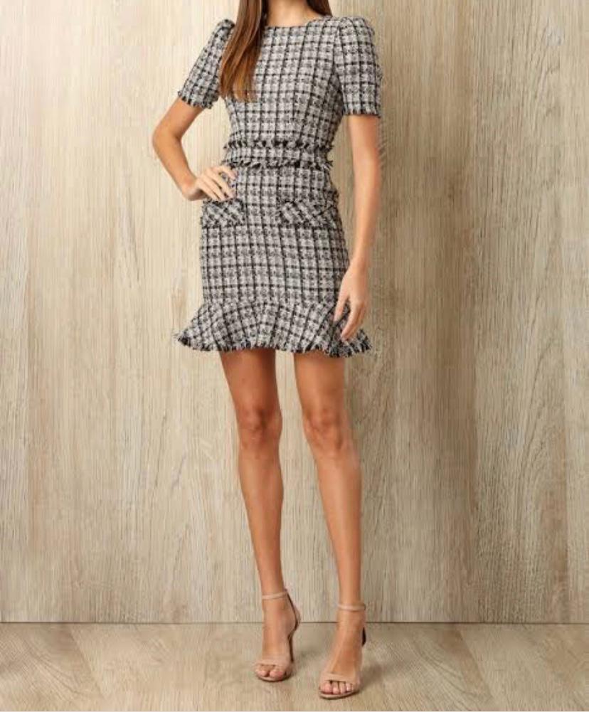 Vestido curto em tweed hit