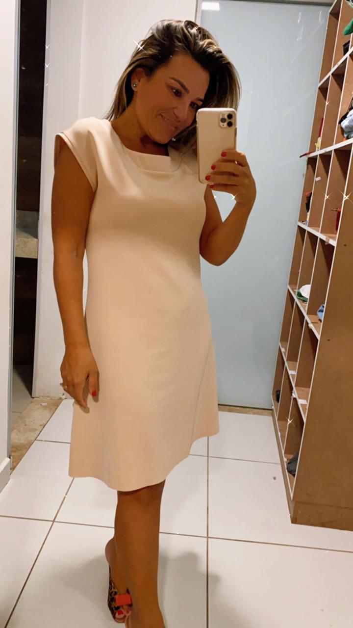 vestido em neoprene
