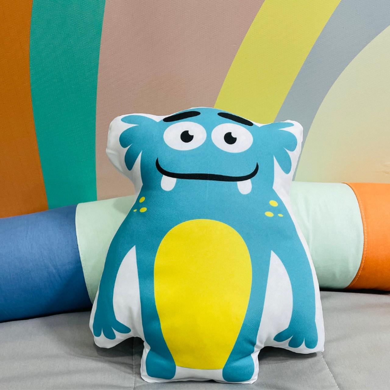 Almofada infantil toy monstrinho azul